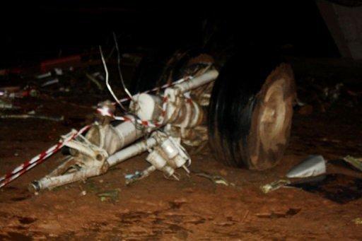 Ghana: un avion cargo écrase un minibus à l'atterrissage et fait dix morts