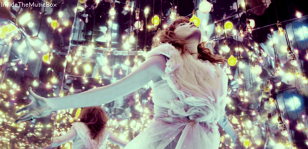 FLORENCE + THE MACHINE : LUNGS.