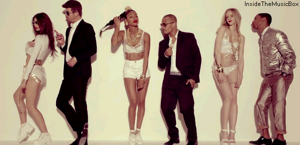 ROBIN THICKE, PHARRELL & T.I. : BLURRED LINES.
