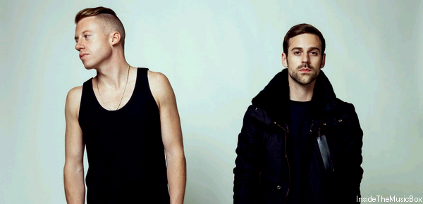 MACKLEMORE, RYAN LEWIS & RAY DALTON : CAN'T HOLD US.