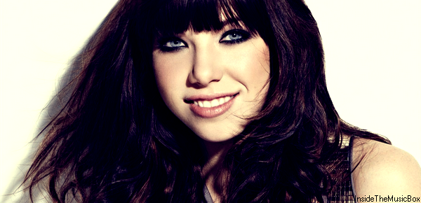 CARLY RAE JEPSEN : KISS.