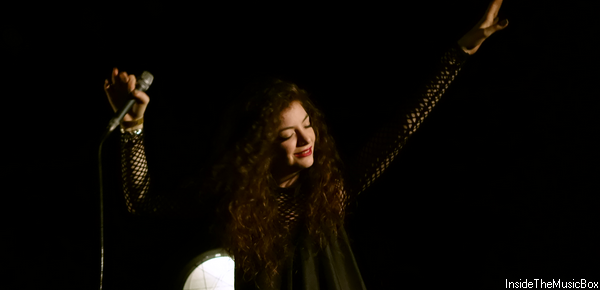 ARTIST OF THE MONTH : LORDE.