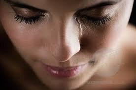 Joie ou tristesse, les larmes sont des sentiments que le coeur ne parvient pas à traduire en mots