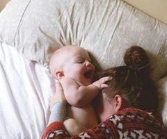 «L'enfant reconnaît sa mère à son sourire.»