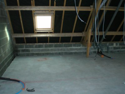 Salle de bains etage future maison for Passage de cable au sol