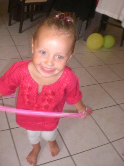 Ma nièce , Lamour de ma vie , Le bonheure dêtre tata <3 je suis tellement fiér de cette Priincesse :D