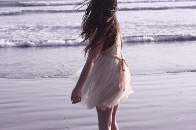 L'amour est la seule déception programée , le seul malheur dont on redemande * ..