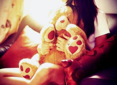 Il aurait juste fallu que je tombe amoureuse de quelqu'un qui mérite mon coeur .. .♥