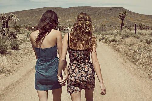 Le rôle d'un ami, c'est de se trouver à votre côté quand vous êtes dans l'erreur puisque tout le monde sera à côté de vous quand vous aurez raison.