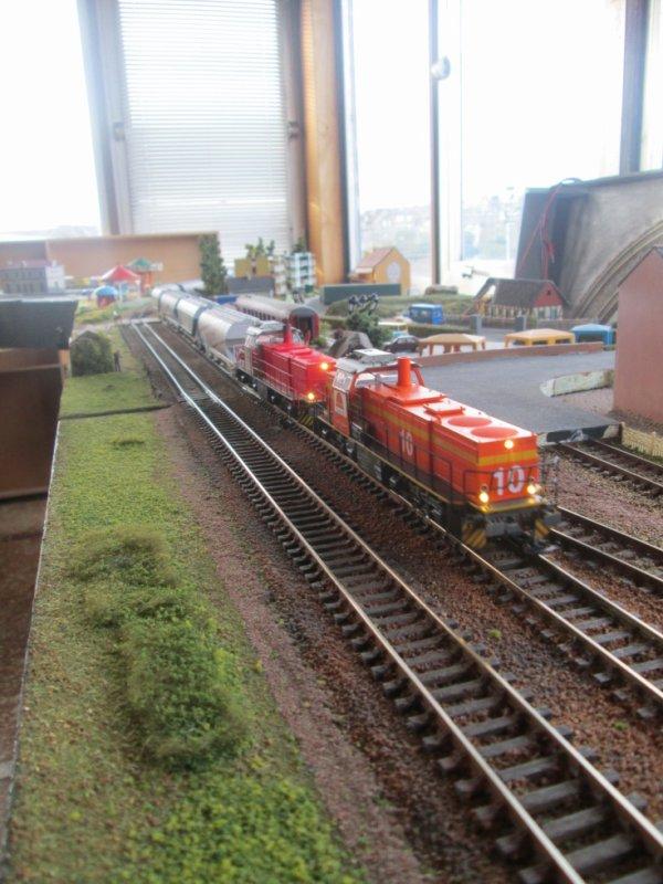 Unité multiple de G1206 colas rail et VFLI sur un train de céréale