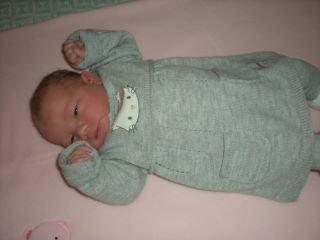 ma nouvelle petite nièce trop belle