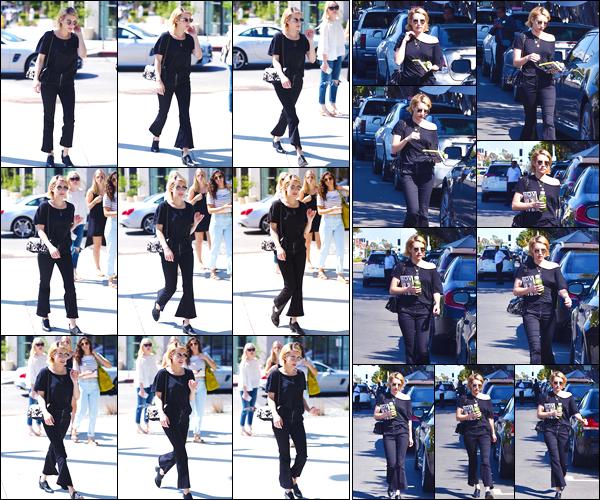 - '-22/09/17-' ◘Emma Roberts a été vue dans Melrose Place où elle y faisait du shopping. J'accorde un FLOP ! Ensuite la belle a de nouveau été vue se baladant dans les rues. Je ne suispasvraiment fan de la tenue, particulièrement du pantalon. -