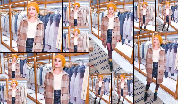 - '-07/12/17-' ◘Notre blonde était présente au Woolrich Yorkdale Grand Opening à Yorkdale Shopping Center. Vous l'auriez comprit ou non notre starlette préférée se trouve en ce moment à Toronto au Canada. Côté tenue je lui accorde un TOP ! -