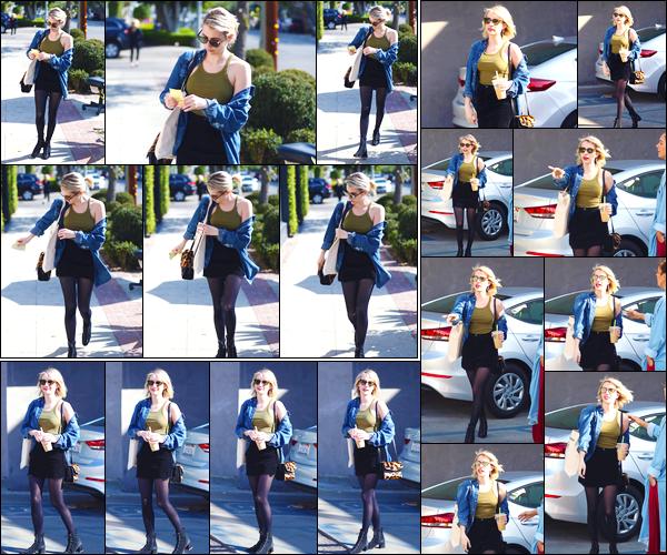 - '-12/02/18-' ◘Emma Roberts a été photographiée alors qu'elle se rendait au 901 Salon, à West Hollywood, CA. Par la suite la belle a été aperçue alors qu'elle quittait les lieux toute flamboyante. Côté tenue j'accorde un très joli TOP à l'actrice, et toi ? -