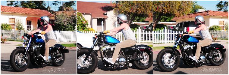 ...19 . 04...  Josh sur sa moto (Los Angeles)   ...2 0 1 2...  • Ok il fait pas beau chez nous, mais le voir sur sa moto, en débardeur et sous le soleil, ça redonne le sourire !
