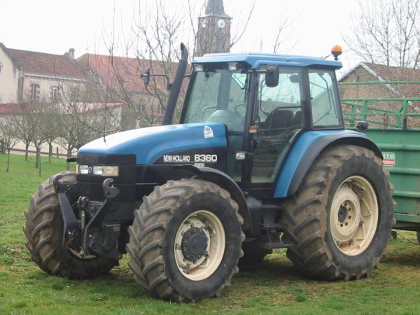 le  new holland 8360   ford