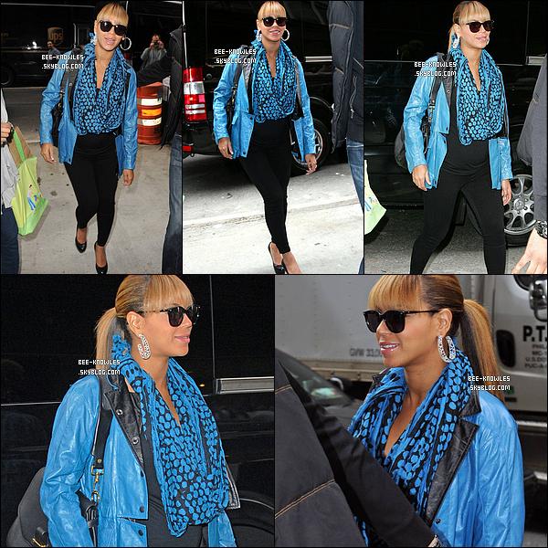 """25/10/11 : Beyoncé est allé se refaire une beauté """"Sakura Nail and Spa"""" à New-York. TOP ou FLOP ?"""