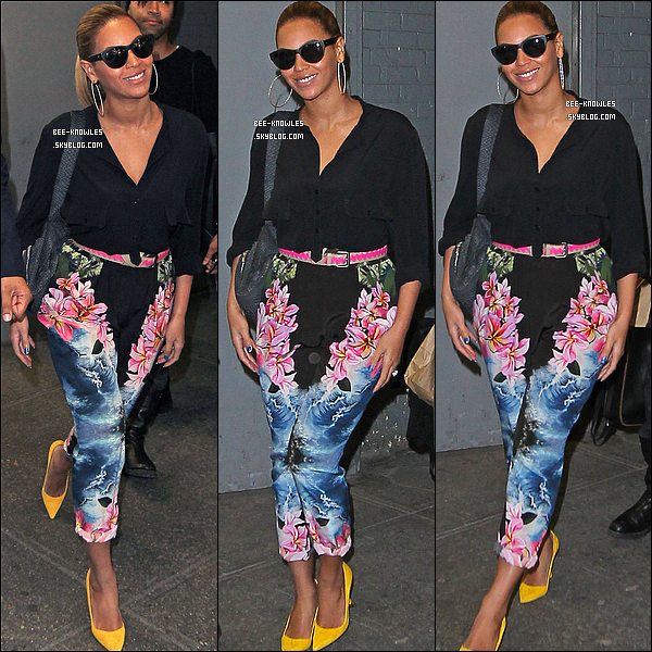 22/03/11 : C'est une Beyoncé toute souriante qui a été aperçue se rendant dans un bureau à New-York.  + Le prochain single de Beyoncé en Italie sera « I Care », information confirméé par le compte Twitter officiel de Sony en Italie.