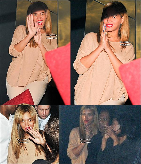12/04/12 : Le soir, Bee et Jay-Z sont allés soutenir Rita Ora qui donnait un concert.  12/04/12 : Beyoncé est de retour à New-York avec sa fille après de courte vacance.