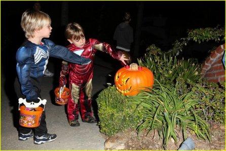 les enfant de britney pour halloween ;)