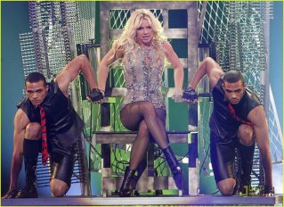BRITNEY PHOTO GMA (mars 2011)
