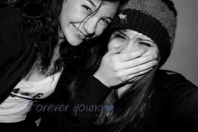 Le rôle d'un ami, c'est de se trouver à votre côté quand vous êtes dans l'erreur puisque tout le monde sera à côté de vous quand  vous aurez raison. ☜.☞