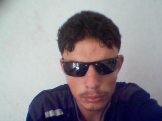 moi radhouane de l'algeria
