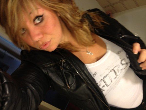 Justine ... Une Fille Déterminer Et Indépendente ;)