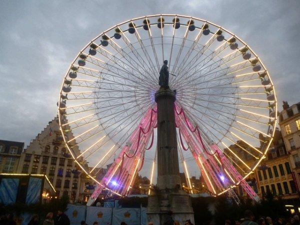 Grande roue de Lille : illusion d'optique avec la Déesse !