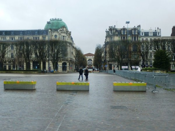 Lille under the rain un dimanche après-midi