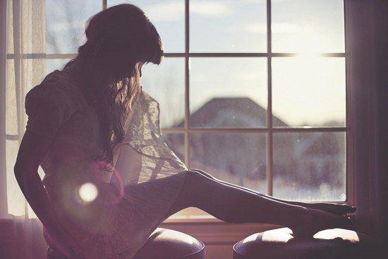 """""""Elle a un grand trou dans son amour. Elle est si triste, si triste tout entière qu'elle se transforme en larme."""""""