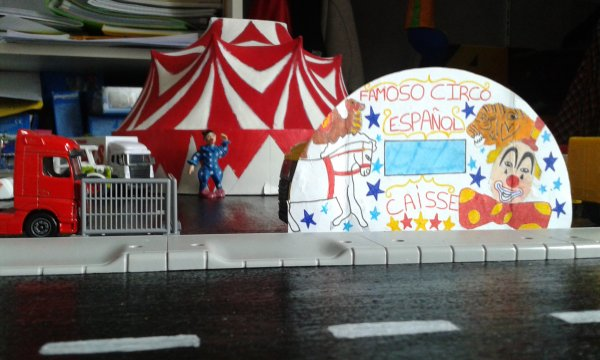 VISITE DU CIRQUE CE MATIN !! Le cirque à ouvert ses portes, allons y !
