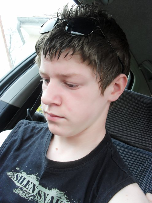 mon 2eme frere 14 ans