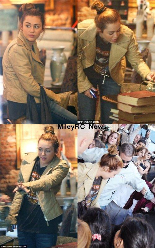 9 mai 2011  Miley faisant du shopping à Buenos Aires en compagnie de sa maquilleuse et de sa mère Tish.  Alors TOP,BOF ou FLOP ?  Moi perso, j'aime bien sa veste mais coté coiffure elle aura pu faire mieu. Je lui accorde un Bof