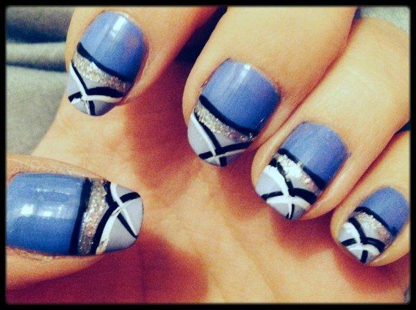 Nail art bleu