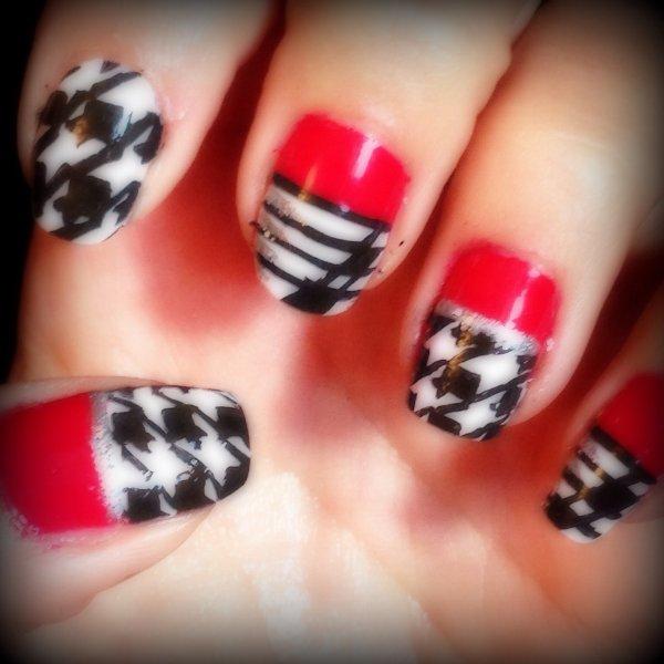 Nail art rouge noir et blanc