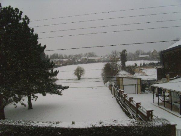 Petite vue de ma chambre sous la neige le 11-03-2013