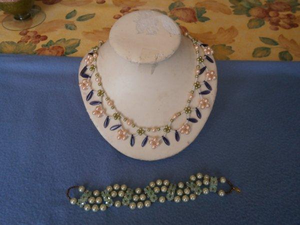 plus bracelet en perles de verres collier