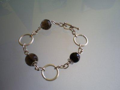 Grosse perles en Cristal noir & anneaux en métal !
