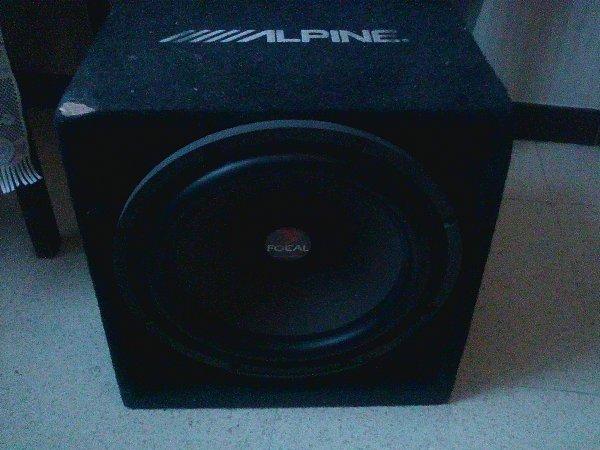 je vends 4 hauts parleurs pioner + un amplis alpine+ un auto radio alpine+ un subwoofer focal : 200 euros : tel : 06 75 31 11 38