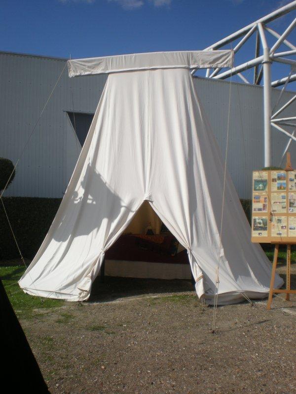 une futur tente cathares1225. Black Bedroom Furniture Sets. Home Design Ideas
