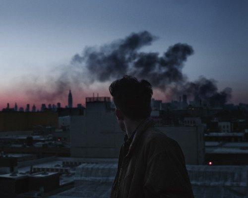 """""""Les larmes qui brûlent sont aussi celles qui consolent."""" Stephen King"""