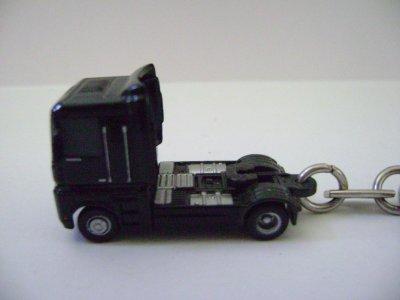 porte clé camion renault noir