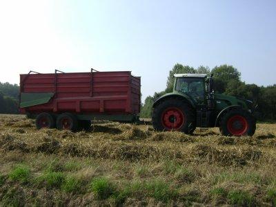 tracteur fendt 933 avec une remorque brigant blog de tracteur glenn22. Black Bedroom Furniture Sets. Home Design Ideas