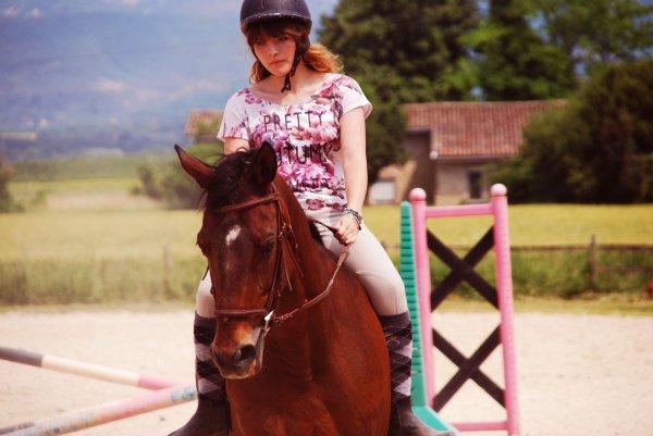 Très loin, au plus profond du secret de notre âme, un cheval caracole... un cheval, le cheval ! Symbole de la force déferlante, de la puissance du mouvement, de l'action.   D.H. Lawrence