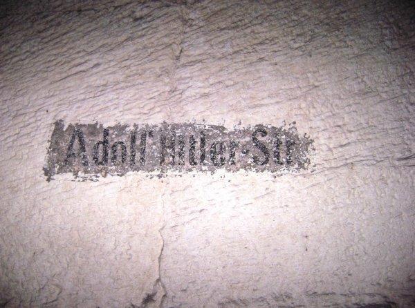 Nom d'une galerie souterraine de Nucourt Adolf Hitler - Str