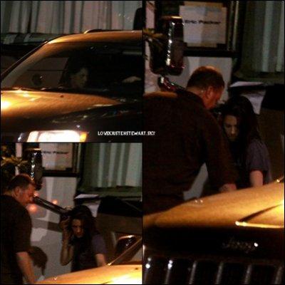 07/07/11: Kristen a été vue à Toronto sur le tournage du nouveau film de Robert, Cosmopolis.