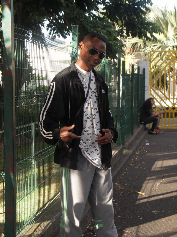 LGB--Lycée Georges Brassens With Eroskiller