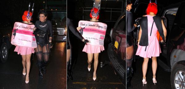 31/10/13 :Rita Ora quittant une fete d'Halloween à New-York