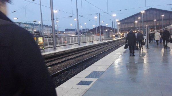 arrivee paris ,il pleut